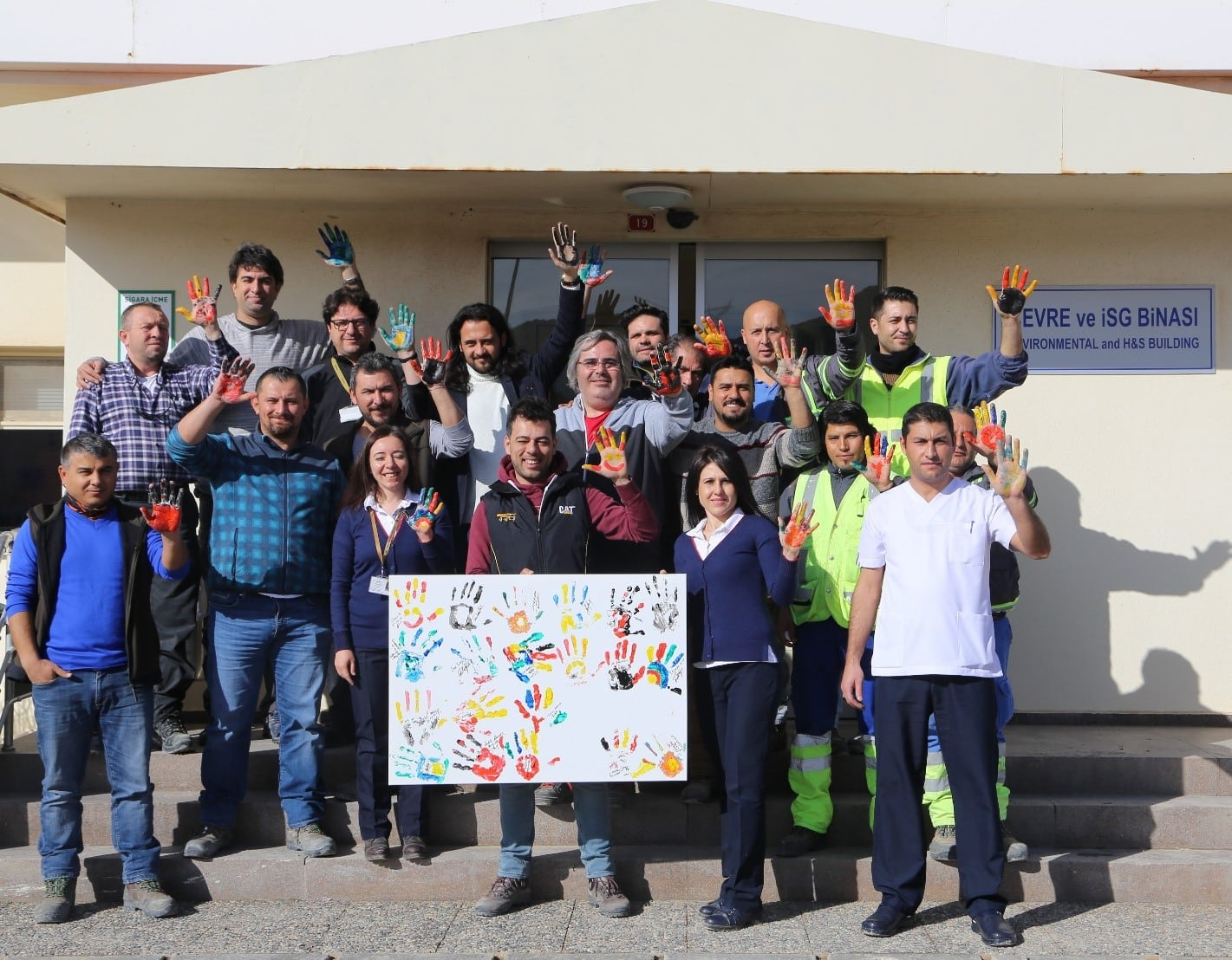 """Team members at Kişladağ have their """"hands up"""" for safety"""